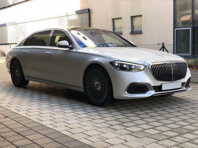 Booking car and rental prestige luxury VIP vehicle with delivery to Rotterdam The Hague Airport