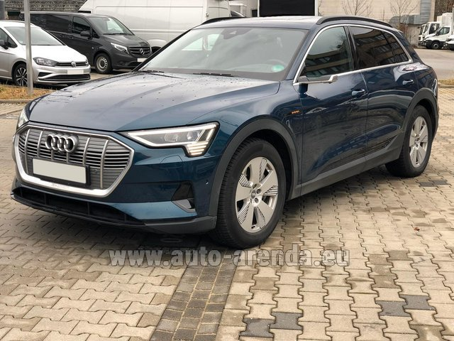 Rental Audi e-tron 55 quattro (electric car) in the Hague
