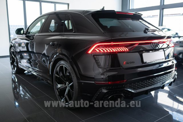 Rental Audi RS Q8 in the Hague