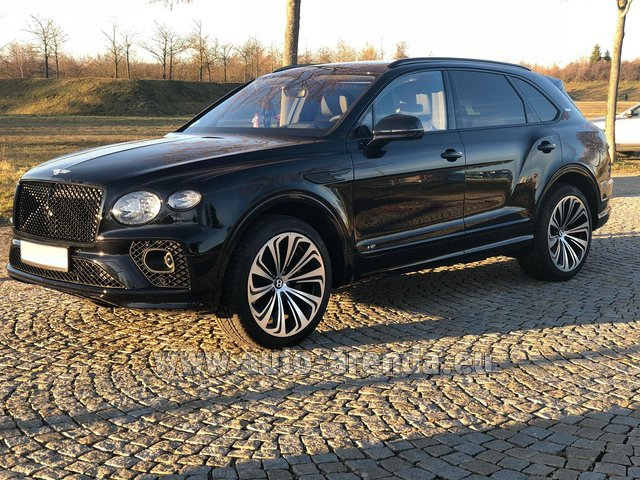 Rental Bentley Bentayga V8 new Model 2021 in Rotterdam
