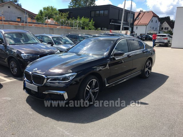 Rental BMW 750i XDrive M equipment in the Hague