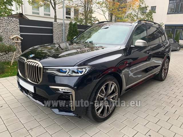 Hire and delivery to Amsterdam Airport Schiphol the car BMW X7 M50d