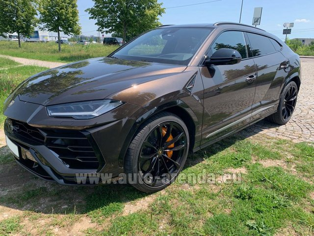 Hire and delivery to Amsterdam Airport Schiphol the car Lamborghini Urus