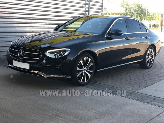 Hire and delivery to Amsterdam Airport Schiphol the car Mercedes-Benz E220 diesel AMG equipment