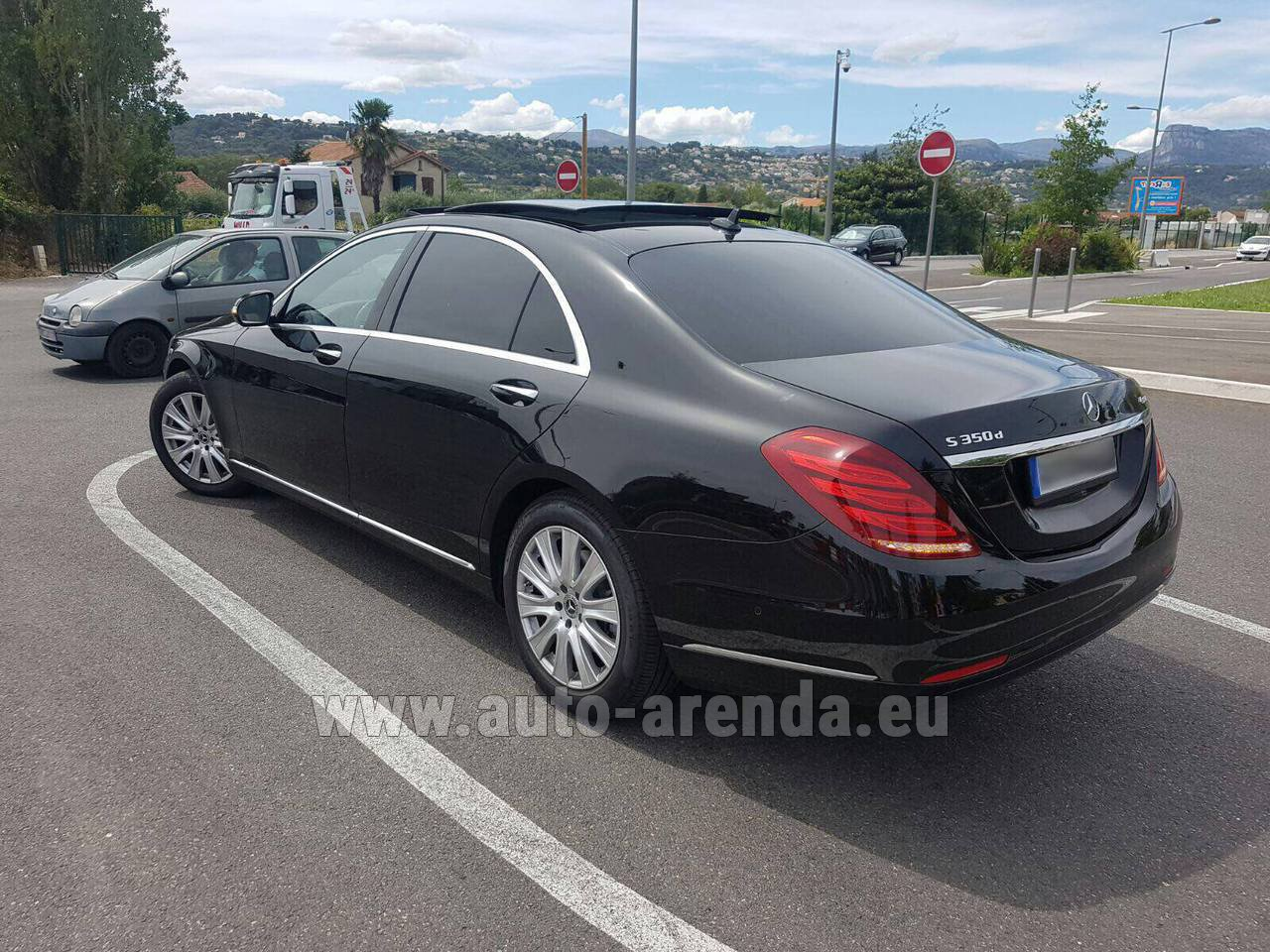 Amsterdam mercedes benz s 350 long amg rental for Mercedes benz rental prices