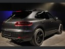 Rent-a-car Porsche Macan Turbo Performance Package LED Sportabgas in the Hague, photo 8