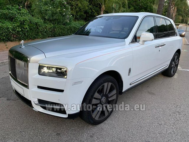 Rental Rolls-Royce Cullinan White in Amsterdam