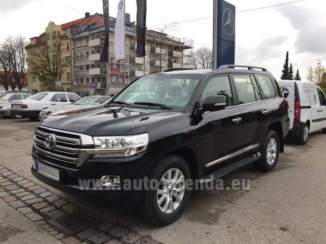 Rental Toyota Land Cruiser 200 V8 Diesel in Rotterdam